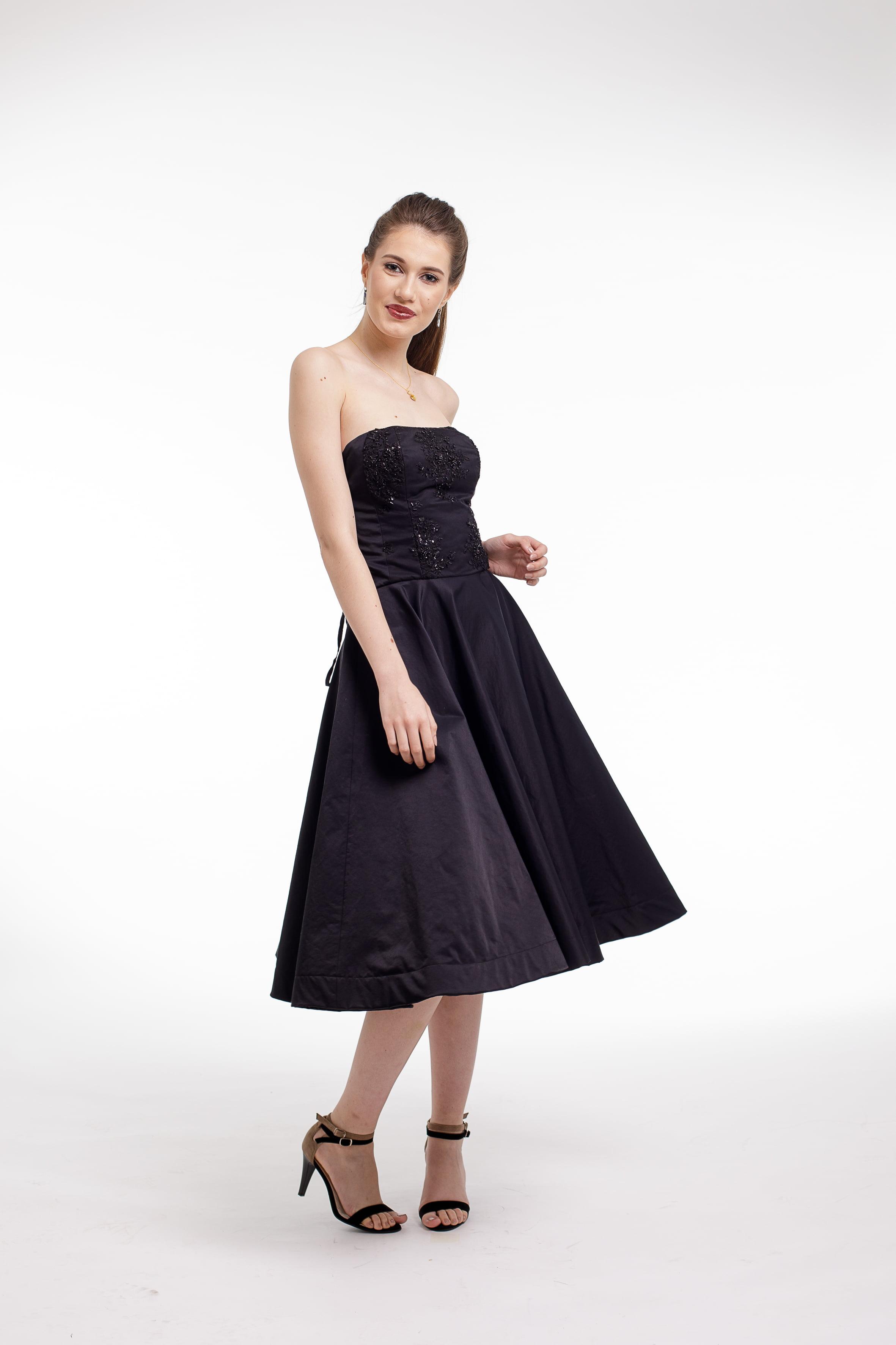 Rochie de cocktail midi din tafta neagra si corset cu aplicatii din dantela