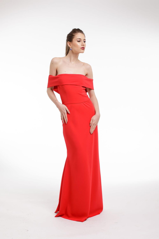 Rochie de seara rosie cu volan supradimensionat