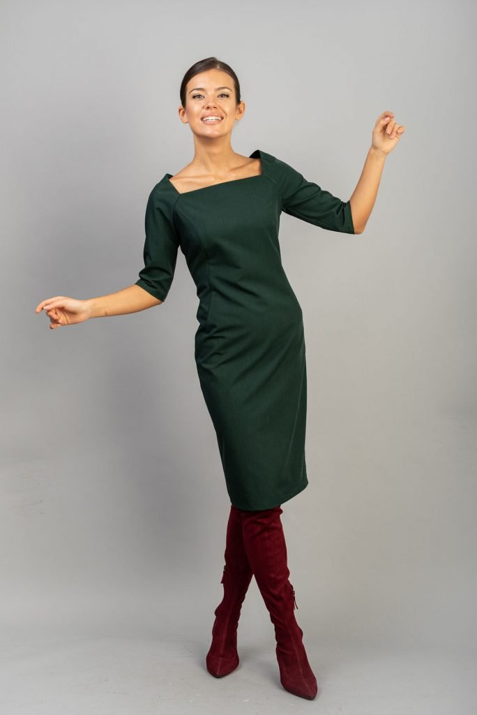 Rochie verde cu decolteu patrat Kara